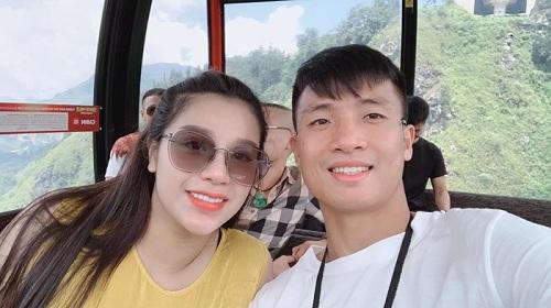 Vợ Bùi Tiến Dũng đáp trả cực gắt khi chồng bị HLV Thái Lan chửi rủa!
